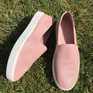 VINCE 🔴 Blair Pink slip on sneakers